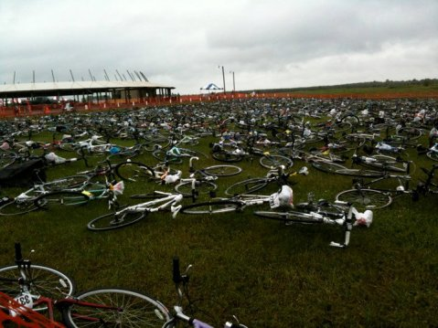 What better way to meet fellow riders? Bikes parked at the MN MS150