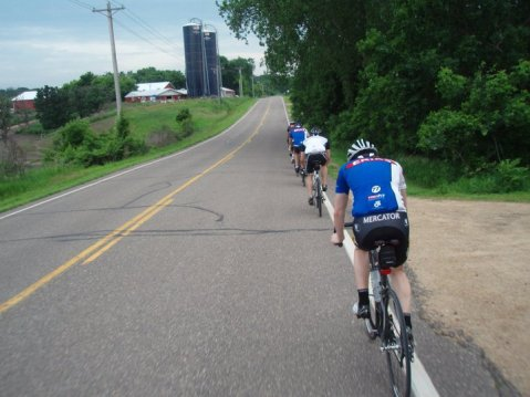 Having access to the drops is a great benefit on windy days, at times when you need more control, or riding in a group.