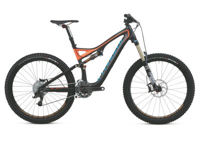 The Stumpjumper is a classic in the mountain bike world, but the Stumpjumper FSR here is no antique!