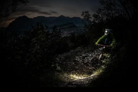 niterider-mtb-best-bike-lights-background